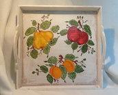 """VASSOIO LEGNO con manici, dipinto a mano , """"Girotondo di Frutta"""""""