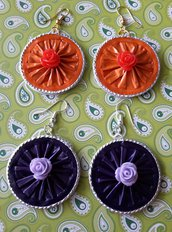 Orecchini rotondi con rosellina in resina