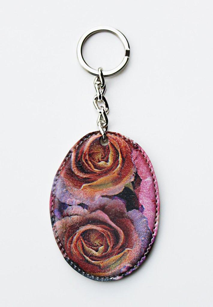Portachiavi con fiori rosa fatto in pelle