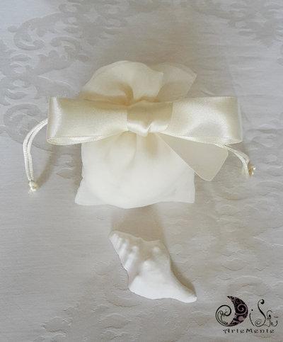 sacchetti portaconfetti matrimonio in tessuto con gessetti profumati