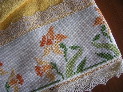 Asciugamani ricamati giglio fiorito con schemi punto croce per