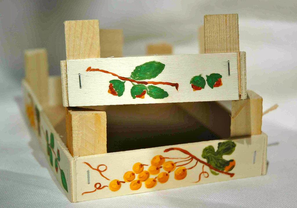 """CASSETTINE A STECCHE in legno naturale """"Uva e Nocciole"""""""