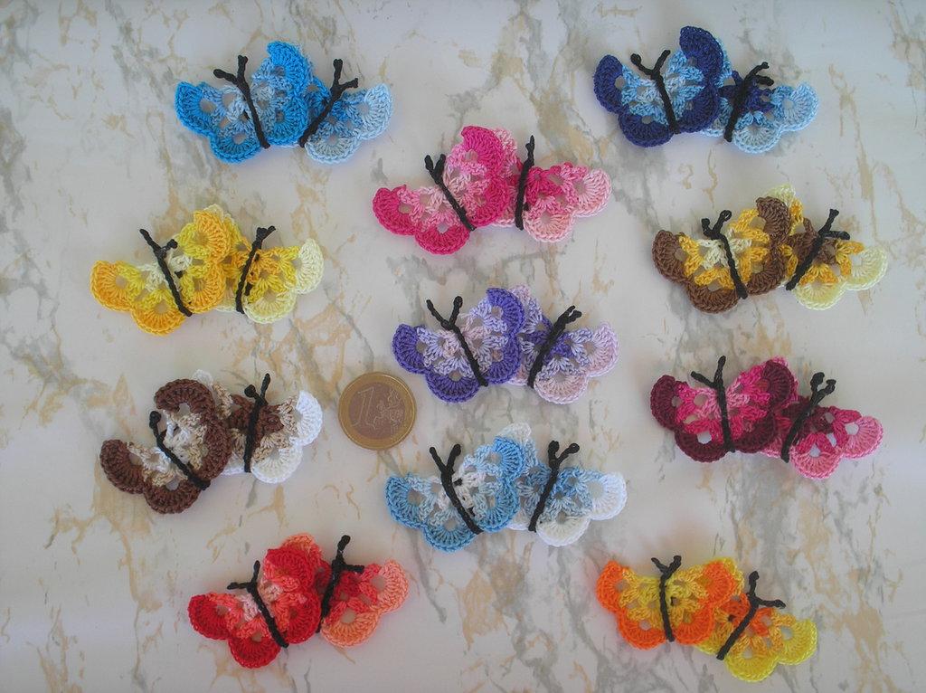 12 farfalline ad uncinetto vari colori