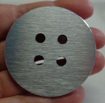 2 Bottoni in Alluminio Composito
