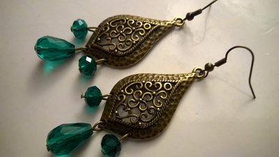 Orecchini con vetro sfumato verde scuro