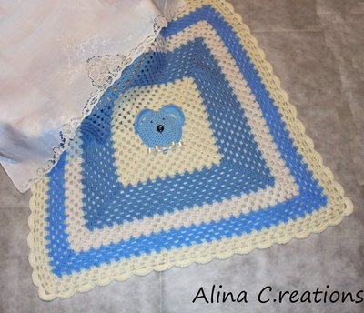 Copertina crochet in lana per neonato con Orsetto