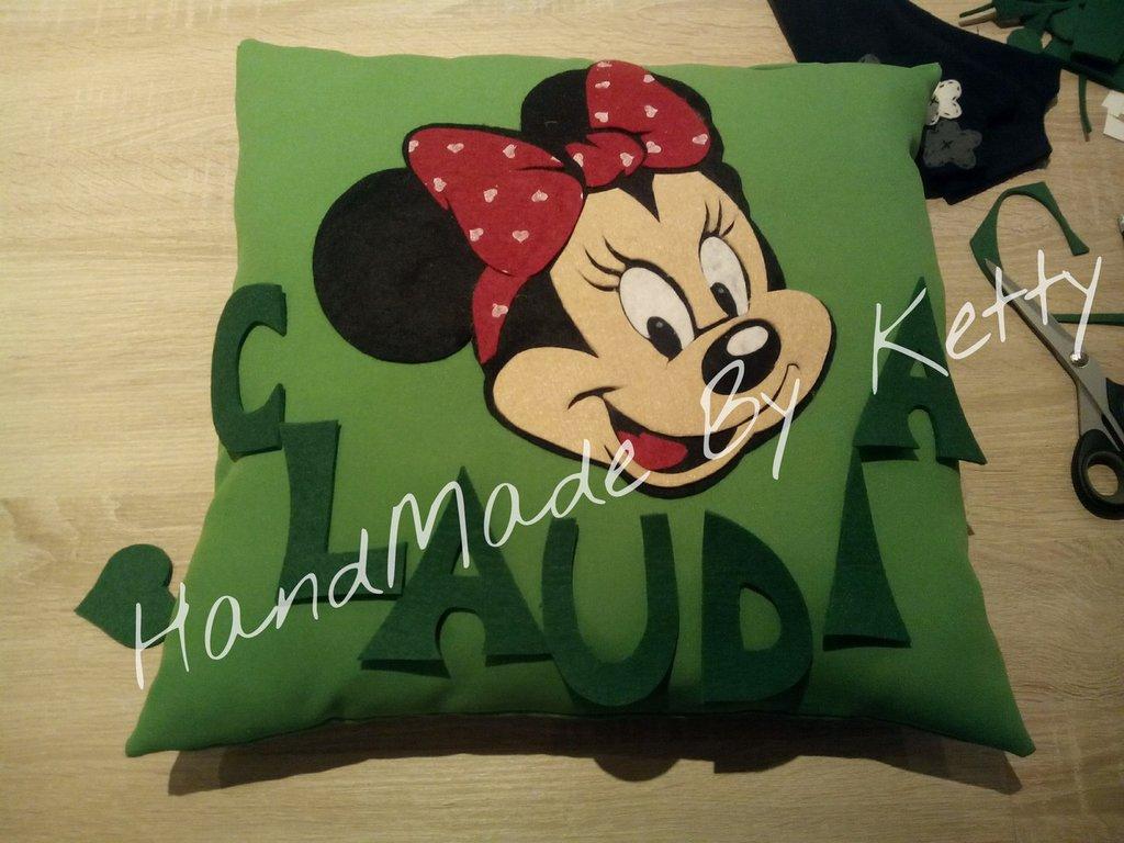 Cuscino Minnie personalizzabile con il nome