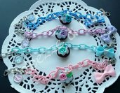 1 bracciale Catena di seta senza nikel con cupcake fatto a mano in fimo e fiocco in tessuto