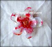 Calamita fiore cinque petali in plastica pet striato rosso