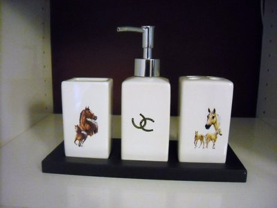 set bagno ceramica con decal cavalli