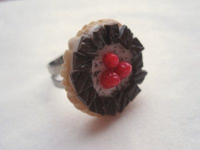 anello TORTA al CIOCCOLATO in fimo