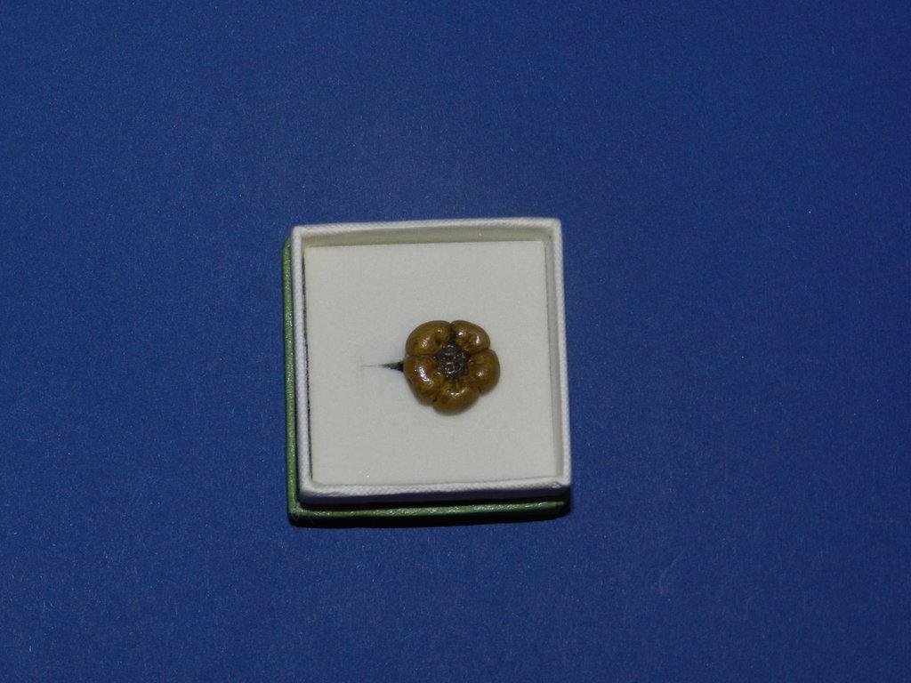 Anello fiore bronzo