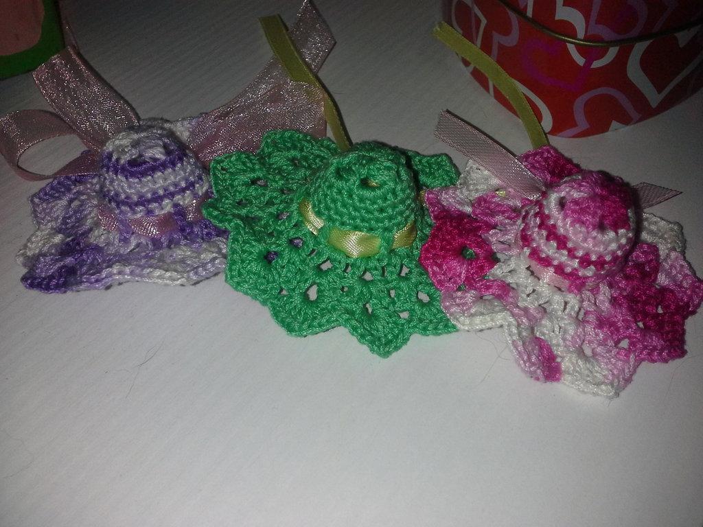 Cappellini per bomboniera