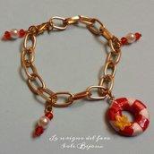 Bracciale catena dorata stile marinaro con salvagente in fimo e perline bianche e rosse