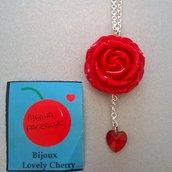 collana rosa rossa e cuoricino