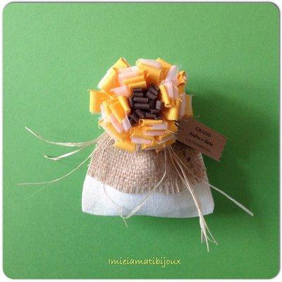 Sacchetto porta confetti spilla girasole