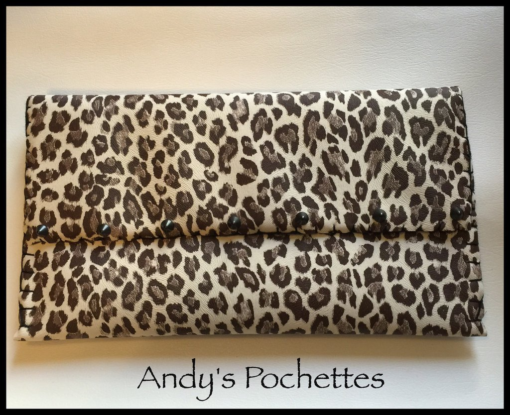 Pochette in ecopelle leopardata