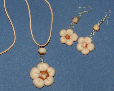 parure fiori e perle bicolor