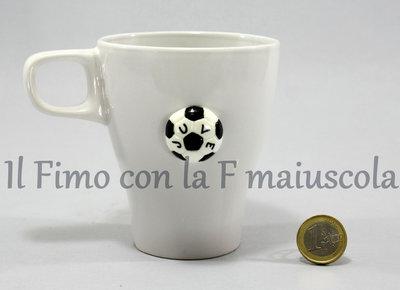 Tazza Juventus per colazione, decorata con pasta di fimo.