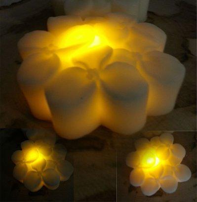 Candela in cera con LED - Quadrifoglio