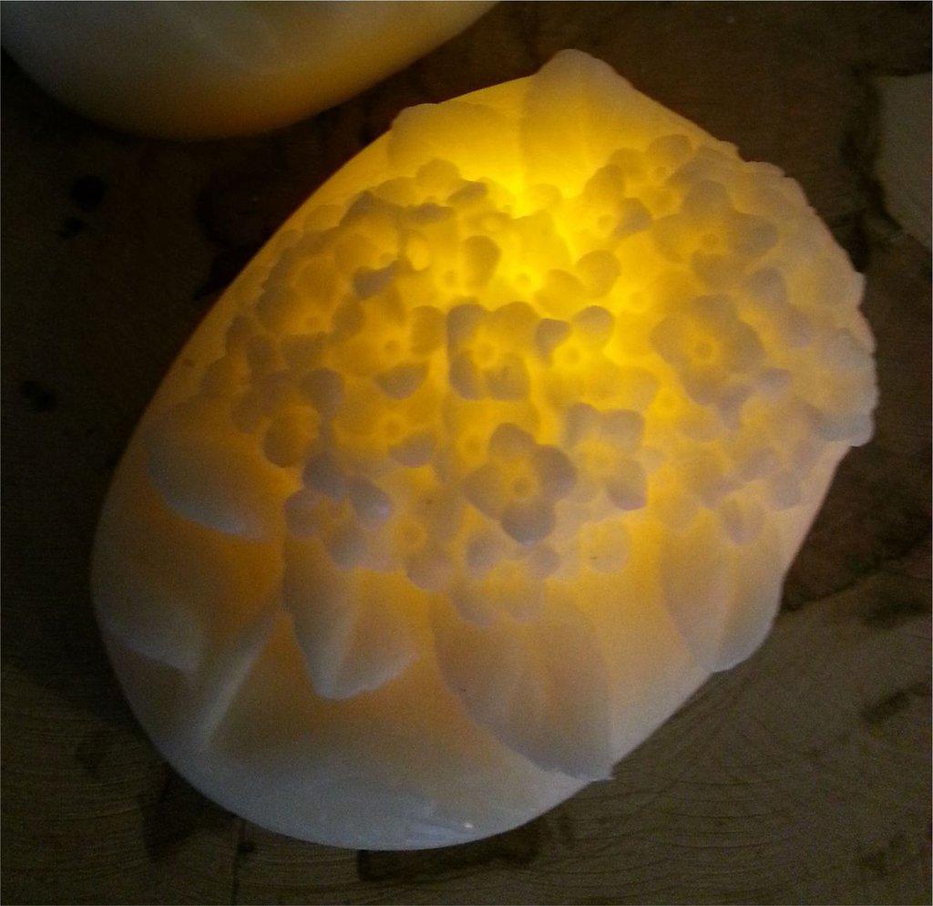 Candela in cera con LED - Bouquetfiorellini