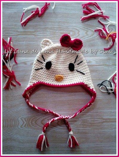 Cappello uncinetto per  bambina ispirato a Hello Kitty