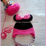 Cappellino bambina all'uncinetto ispirato a Minnie