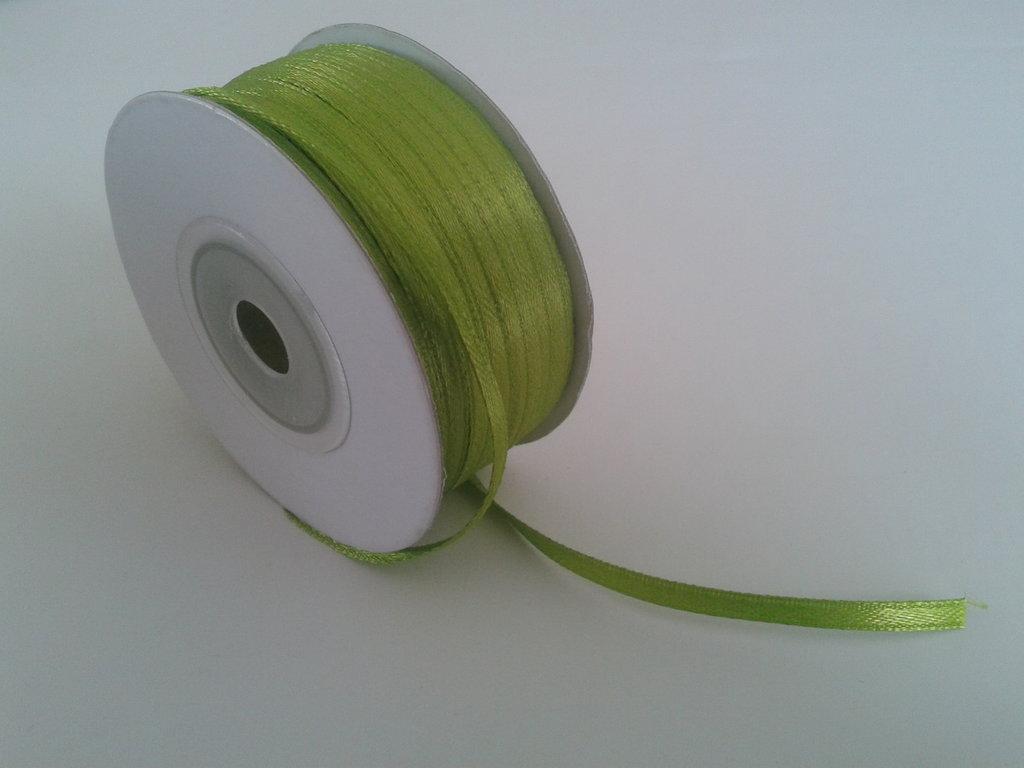 Nastro di raso color verde