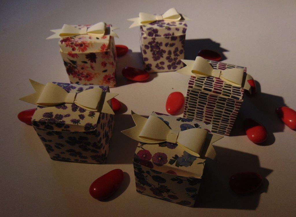 Set 5 scatoline porta confetti, bijoux, per feste ed eventi