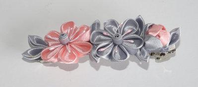 Fermaglio kanzashi colore grigio e rosa