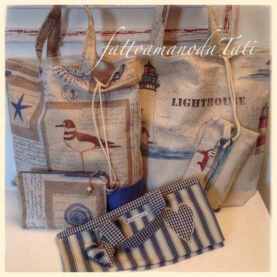 INSERZIONE RISERVATA PER ANNA Due borse mare in cotone fantasia marina con busta coordinata e un porta torte in cotone a righe e quadretti blu