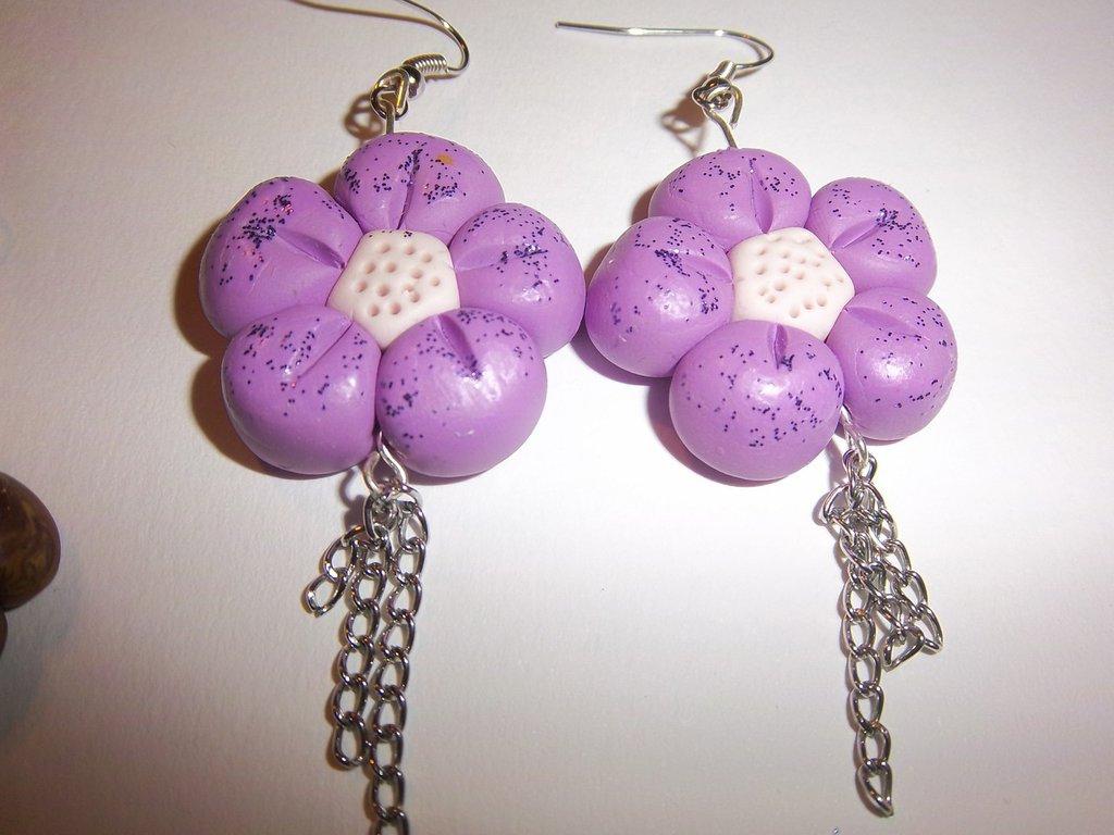 orecchini in fimo a forma di fiore