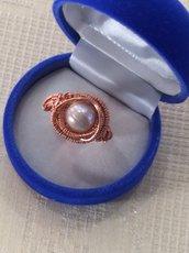 Anello wire rame e perla rosa/violetto
