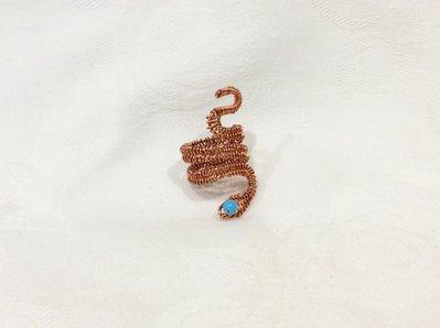 Anello wire a serpente