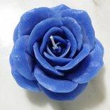 Candele artigianali a forma di rosa disponibili in vari colori