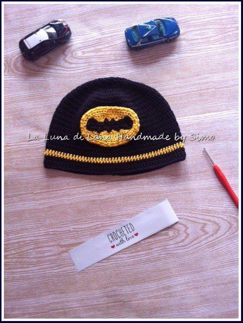 Cappello a uncinetto per bambino ispirato a Batman in cotone