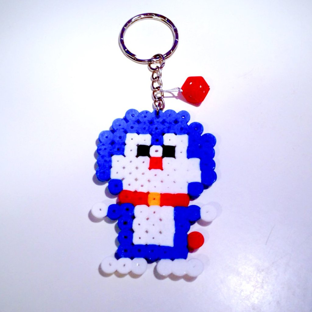 Portachiavi bimbi con Doraemon in hama beads