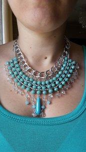 Collier con cristalli azzurri e catena alluminio color argento