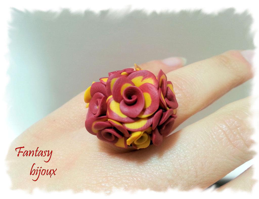 """Anello """"Primavera""""con rose rosso - giallo in fimo fatto a mano"""