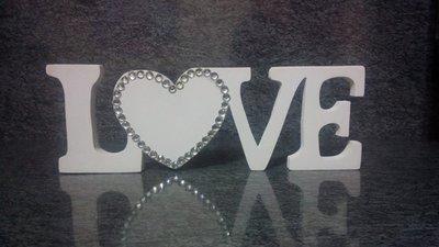 Scritta in legno LOVE