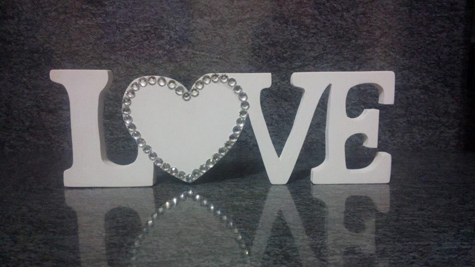 Scritta in legno love per la casa e per te decorare for Scritte in legno nomi
