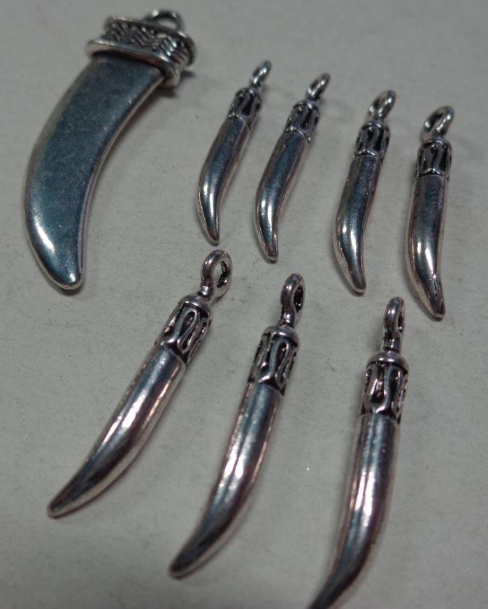 8 Ciondoli Corno in Argento Tibetano