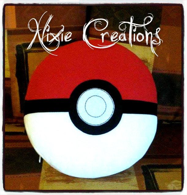 Cuscino Peluche Sfera Pokè Pokeball - Pokemon inspired