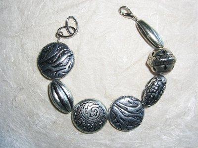 Braccialetto con perle in argentone grandi