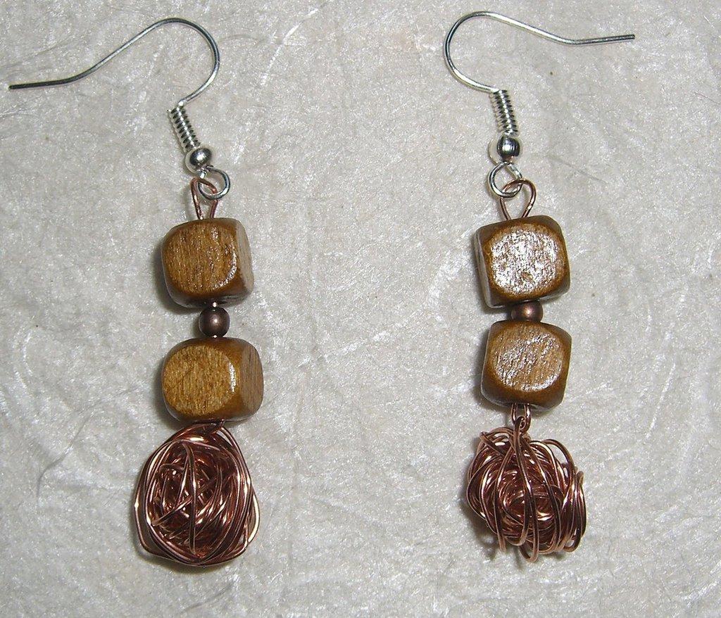 Orecchini in legno, rame  e filo di ottone color rame