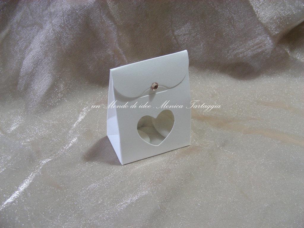 scatolina portaconfetti cuore trasparente
