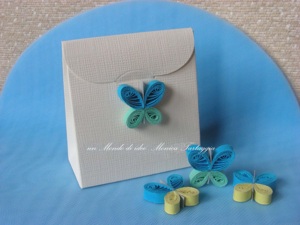 scatolina portaconfetti farfallina azzurra
