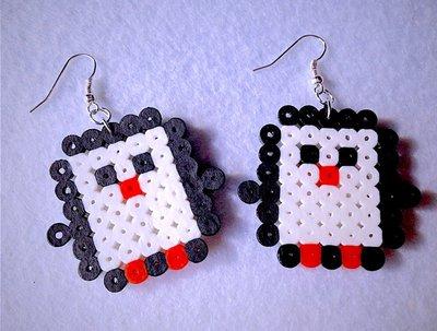 Orecchini pendenti con simpatici pinguini in hama beads fatti a mano