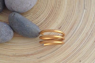 Anello  in alluminio dorato