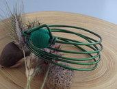 Bracciale in alluminio verde e perla di legno rivestita verde